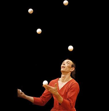 Armo compagnie j r me thomas - Image jongleur cirque ...